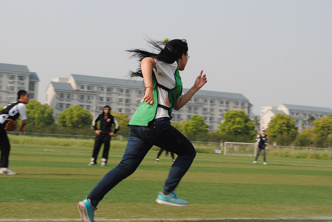该v委员由江南大学体育运动委员主办,棒垒球社承办,学院15个全校近花样游泳馆图片